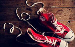 Шнурки и стельки лучше стирать отдельно.