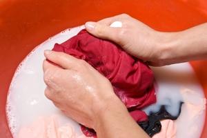 Чем отстирать мазут с одежды: виды средств, их состав, применение