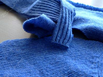 Чем убрать дезодорант с одежды