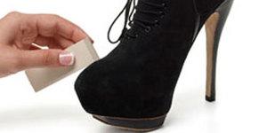 Уход за замшевой обувью в домашних условиях: советы, как чистить туфли и сапоги из замши