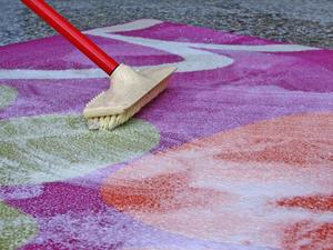 Очистка ковра в домашних условиях от пятен.