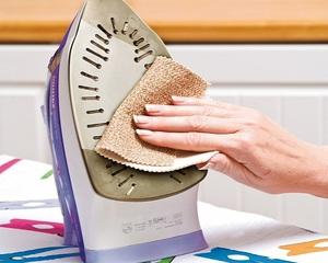 Как почистить утюг от нагара и накипи в домашних условиях: химические и народные средства, способы чистки