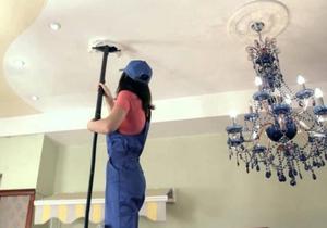 как мыть натяжные потолки в домашних условиях видео инструкция - фото 6